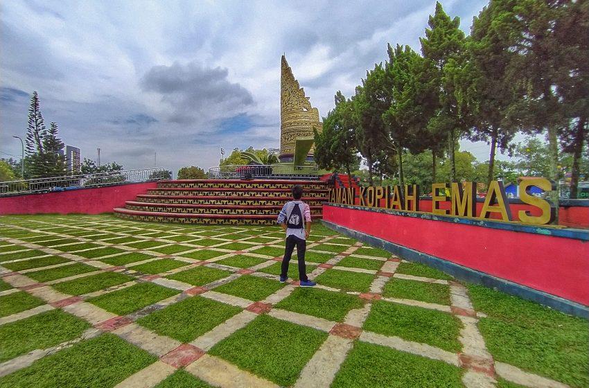 Mampir dan Bersantai di Taman Kopiah Emas, Lampung Tengah