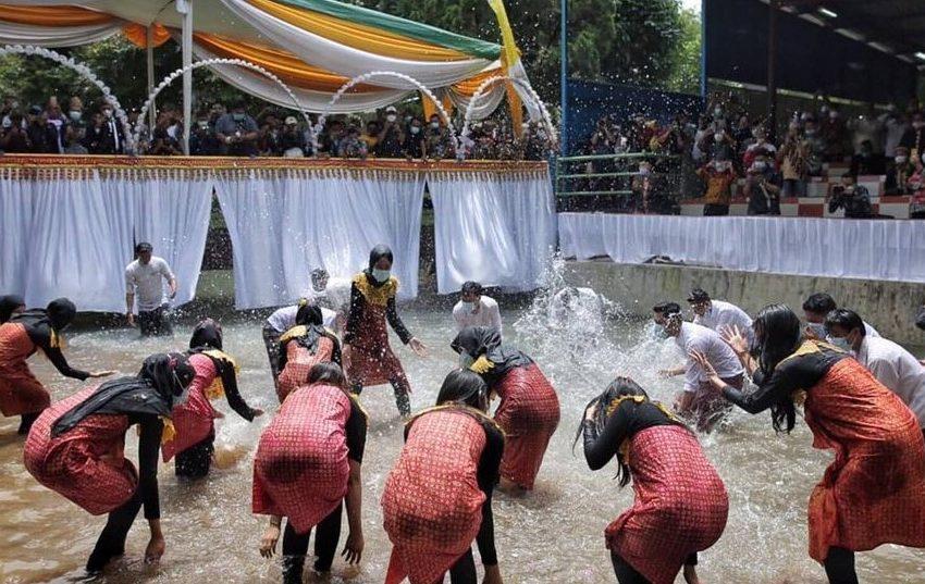 Mengenal Tradisi Blangikhan: Tradisi Unik Menyambut Bulan Suci Ramadhan Suku Lampung