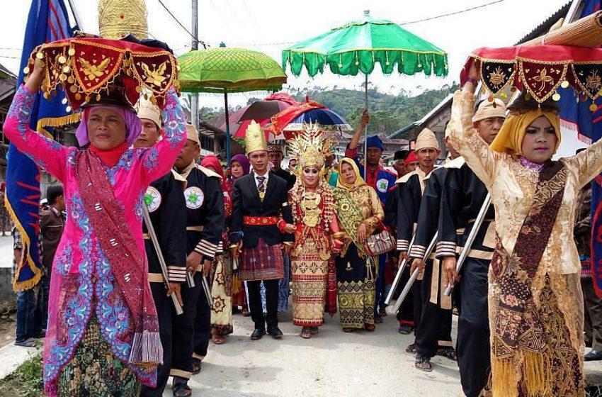 Upacara Adat Begawi Lampung, Potensi Kearifan Lokal Berbasis Budaya