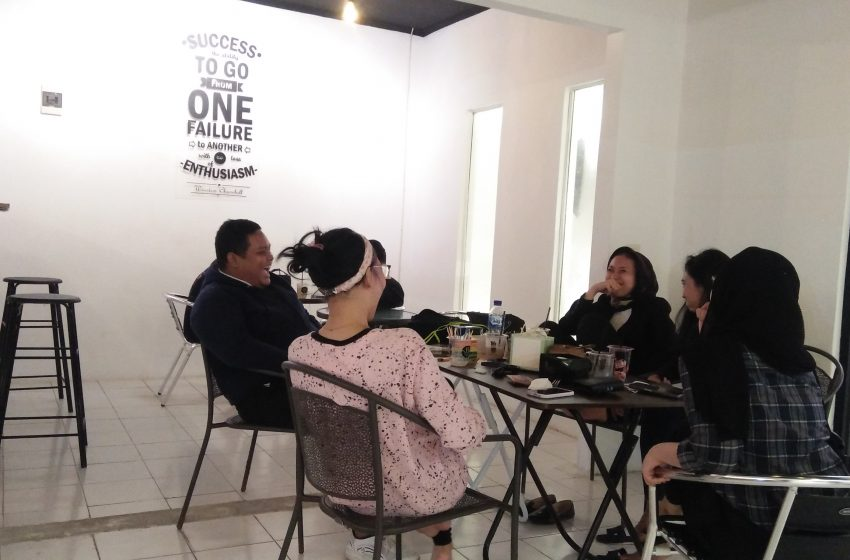 Cafe Warnmiex: Tempat Nongki Kekinian di Tengah Kota dengan Sajian Menu Unik