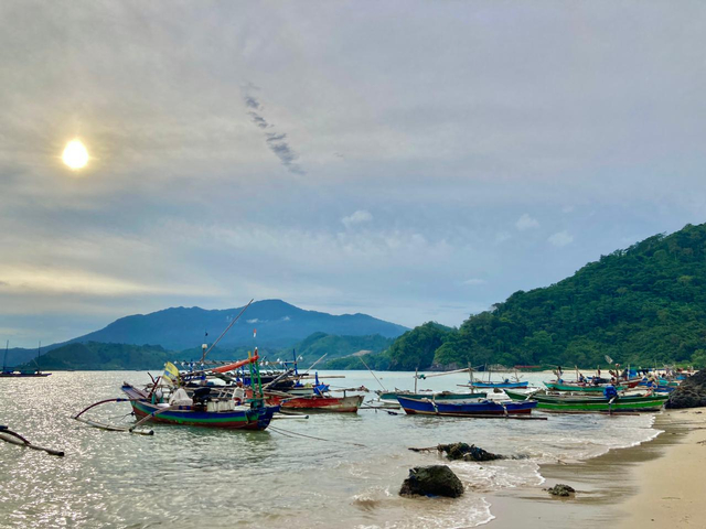 Minang Rua: Spot Pantai yang Memesona hingga Green Canyon yang Memacu Adrenalin